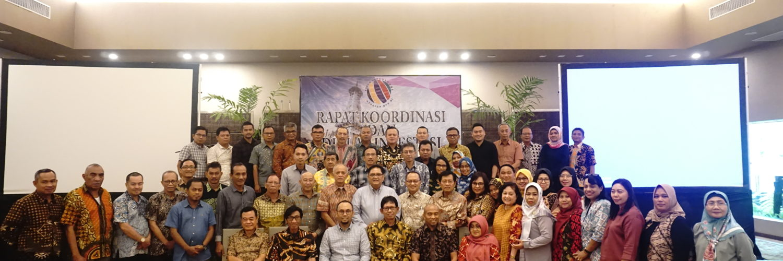 foto bersama mentor LP3M Investa dengan anggota Asosiasi Dana Pensiun Bank BPD SI